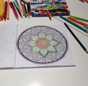 Mandala colorear 3